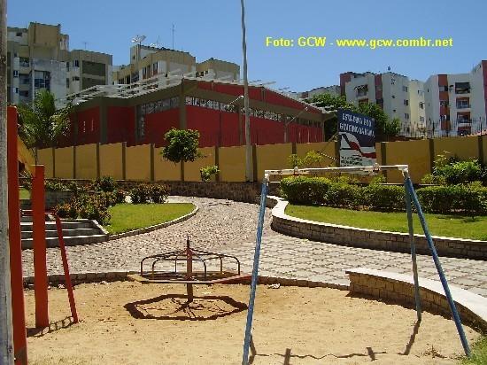 Col�gio Estadual Manoel Devoto - Vista do Gin�sio de Esportes